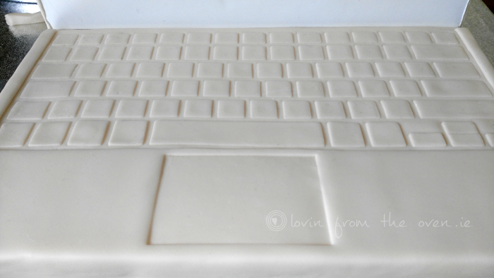 LAPTOP-KEYBOARD-WHITE-SM